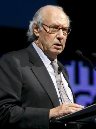 Fotografía de archivo fechada en Zaragoza el 11 de noviembre de 2009 del exministro Miguel Boyer.