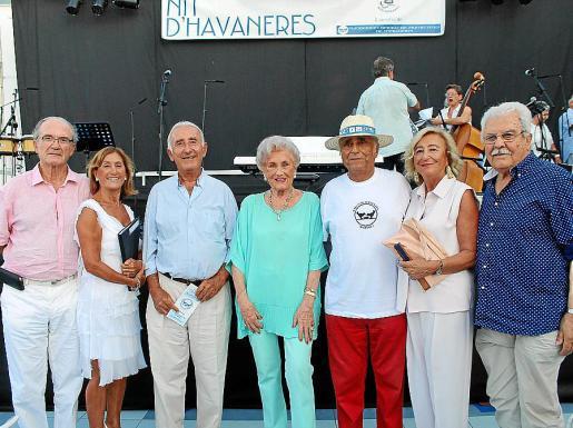 Juan José Verd, Toti Pou, Felipe Montaner, Maruja Serra, Ramón Montis, presidente del Banco de Alimentos; María Antonia Ginard y Santiago Font.