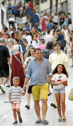 El Ejecutivo autonómico valoró los indicadores positivos del mercado turístico en las Illes Baleares durante este año pese a los temores que apuntaban a que los resultados serían más negativos de los registrados.