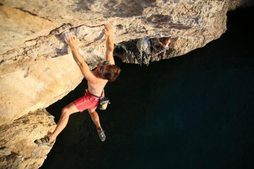 Los hermanos Pou denuncian la situación que están viviendo los escaladores en Mallorca.