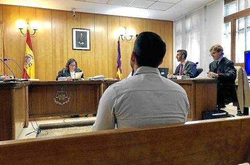 El acusado, este miércoles, en el juicio en una sala del Juzgado de lo Penal 7 de Palma.