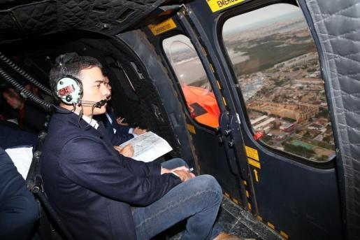 Pedro Sánchez visita Orihuela desde un helicóptero.