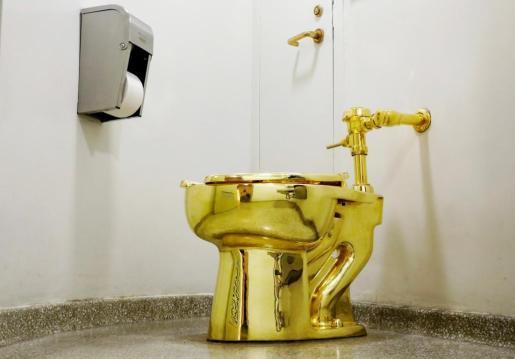 Un inodoro de oro de 18 quilates fue sustraído la pasada madrugada de Blenheim Palace.