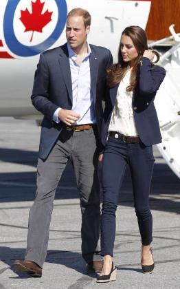 Foto de archivo del principe Guillermo y su mujer Catherine, Duques de Cambridge, de visita oficial en Canadá.
