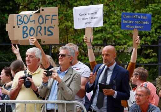 Protestas durante la visita de Boris Johnson a Luxemburgo.