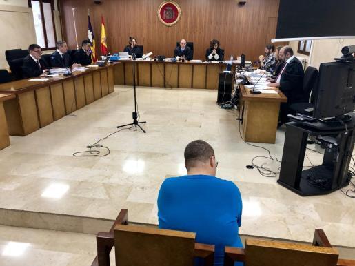 El acusado, este martes en el juicio celebrado a puerta cerrada en la Sección Primera de la Audiencia de Palma.