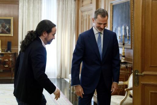 El rey Felipe VI recibe en audiencia al líder de Unidas Podemos Pablo Iglesias.