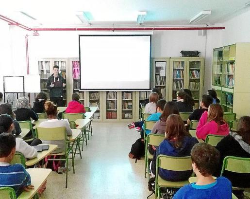 Alumnos, en un aula de un centro educativo de las Islas.