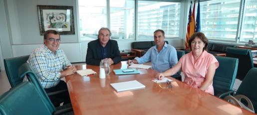 El conseller de Educación, Universidad e Investigación, Martí March, en la reunión para tratar sobre el nuevo CEIP de Santa Margalida.