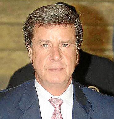 Cayetano Martínez de Irujo ha sido intervenido de urgencia por una obstrucción intestinal.