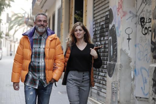 Las tendencias para hombre y mujer apuesta por líneas ajustadas y tejidos agradables.