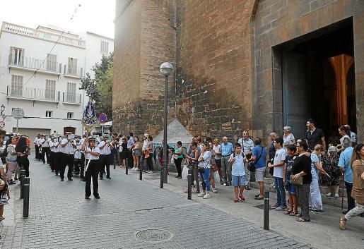 La procesión de la Virgen de la Mercè contó con mucha participación.