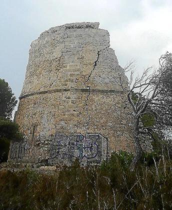 Pintada realizada en la Torre Esbucada.