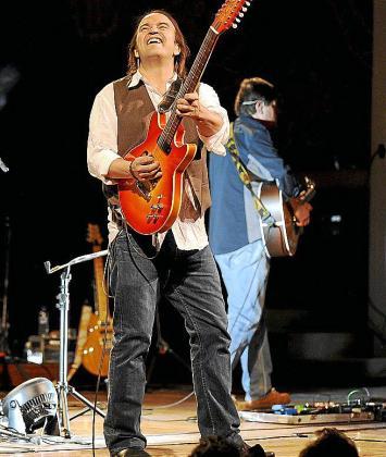 Los Secretos, en un concierto en 2009.