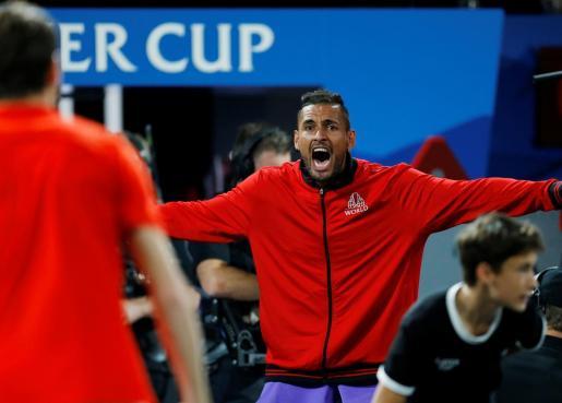 El tenista australiano Nick Kyrgios reacciona durante un partido de la Laver Cup disputada en Ginebra.