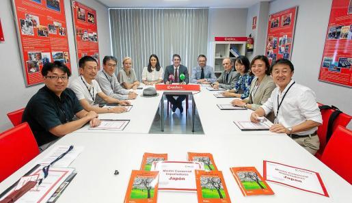La misión comercial con los importadores de Japón se presentó en la Cámara de Comercio.