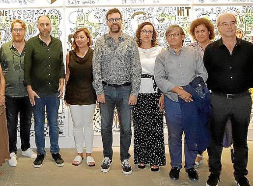 En el Casal Solleric: Tomás Pizá, José Fiol, Francina Armengol, Antoni Noguera, Joana María Adrover, Vicenç Thomàs, Elena Navarro y Ramón Morey.