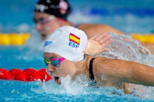 Imagen de Catalina Corro en una de las series clasificatorias de los Campeonatos de Europa de Natación en Glasgow disputado en agosto de 2018.