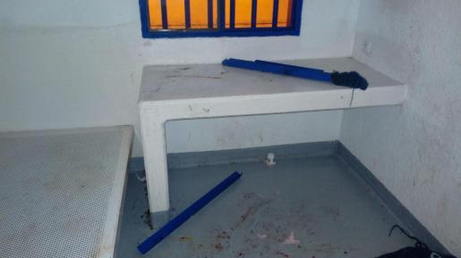 El preso destrozó la celda de la cárcel de Palma.