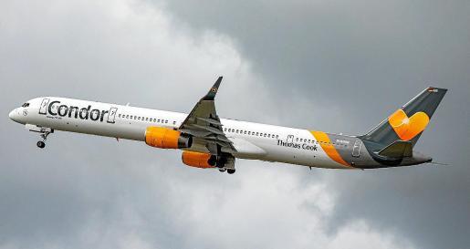 Condor cuenta con una flota, según el sector aéreo, obsoleta y está compuesta por 45 aviones.