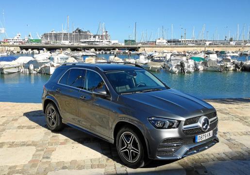 Un rincón de Can Barbarà nos ha servido como escenario para este vehículo que ofrece una estética que no pasa desapercibida bajo ningún concepto.