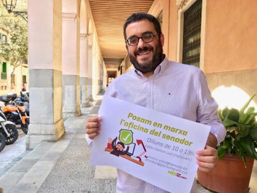 El senador de Més per Mallorca, Vicenç Vidal, estrenará este lunes 'La oficina del senador'.
