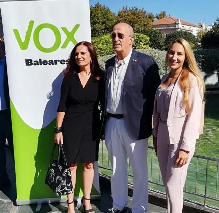 Manuela Cañada, Antonio Salvá y Patricia de las Heras candidatos de Vox al Senado y al Congreso.