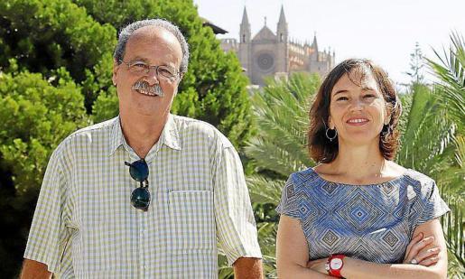 Rafael Rivera y Almudena de Benito posan en Es Baluard.
