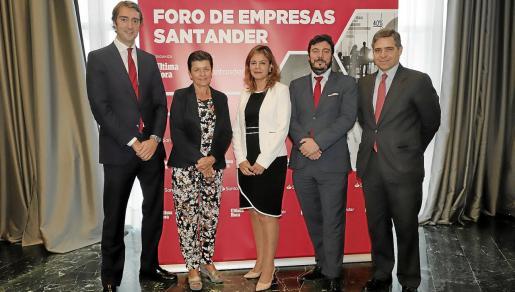 Jaime Uscola, Carmen Serra, Celia Torrebadella, Ramón de la Iglesia y David Pereira, momentos antes de comenzar el acto.