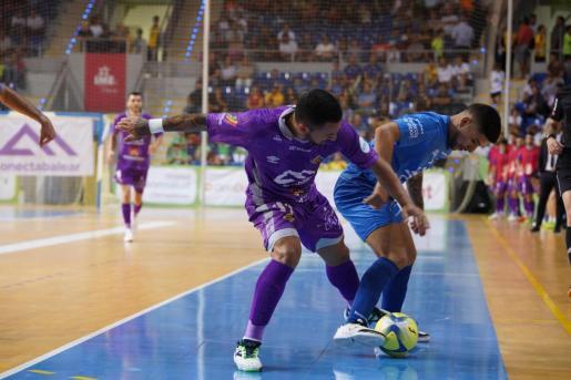 Un momento del encuentro entre el Palma Futsal y el Servigroup Peñíscola.