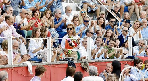 Felisa Tarruella, viuda de Dámaso González, recibió una sentida ovación.