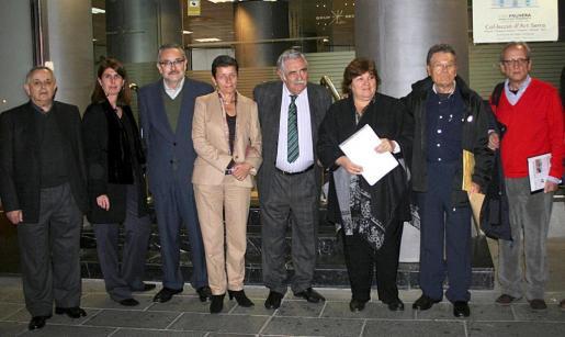 Sebastià Ginart, Ángela Moreda, Carmen Serra, Pere A. Serra, Aleida Guevara, Bartomeu Sancho y Gerardo Moyá