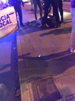 Varios jóvenes han sido detenidos por agredir por la calle a los transeúntes.