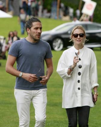 La hija del presidente de Inditex Amancio Ortega, Marta Ortega acompañada por su marido, Carlos Torretta.