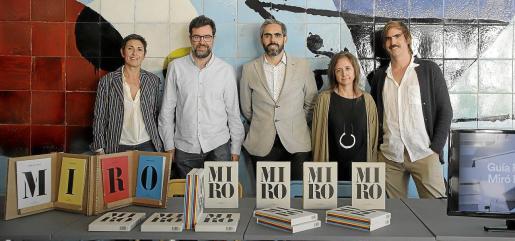 Francisca Niell, Antoni Noguera, Francisco Copado, Patricia Juncosa y Rafa Roses, este miércoles en la Fundació Miró Mallorca.