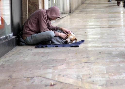 Imagen de pobreza en las calles de Palma.