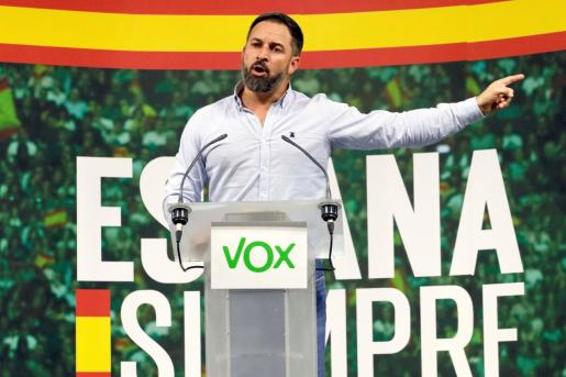 Santiago Abascal, candidato de Vox, en un mitin.
