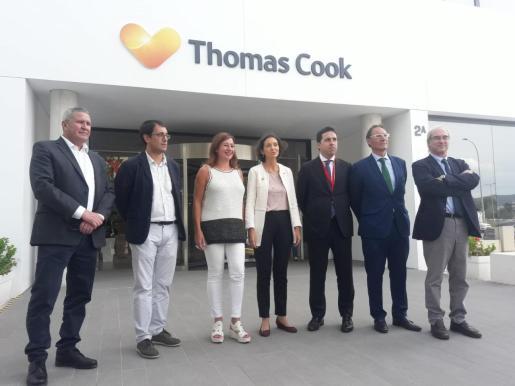 La ministra de Industria, Comercio y Turismo en funciones, Reyes Maroto, ha visitadola sede de Thomas Cook en Palma.