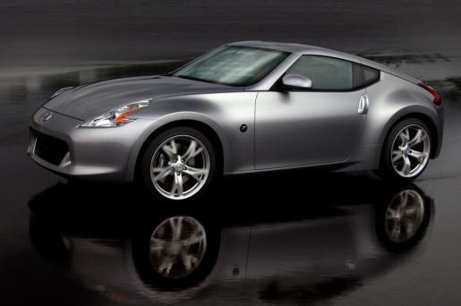 Contamos con servicio de eléctrica, mecánica y otros auxiliares para su coche.