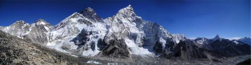 El montañero trataba de hacer cumbre en el pico Chukima Go en el Himalaya nepalí.