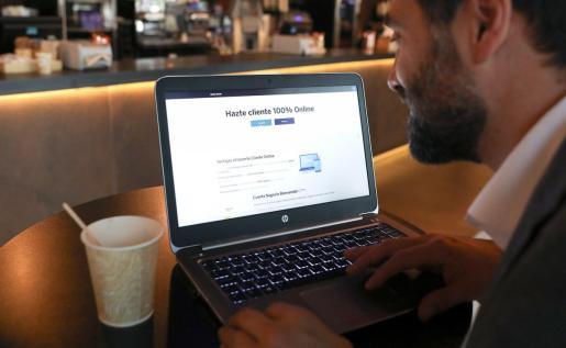 Más de 650.000 empresas ya pueden darse de alta como clientes de BBVA en España de manera totalmente 'online' y sin necesidad de acudir a la oficina.