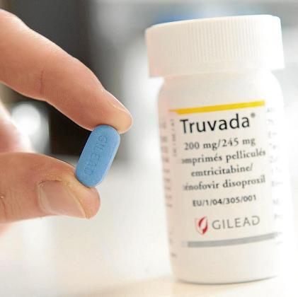 Truvada es el nombre comercial de la combinación de los dos antirretrovirales tenofovir disoproxilo fumarato y emtricitabina, un fármaco que ya se usa en el tratamiento para las personas infectadas por el VIH.