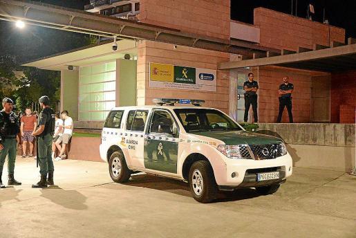 Agentes de la Guardia Civil detuvieron a los cinco agresores del letrado.