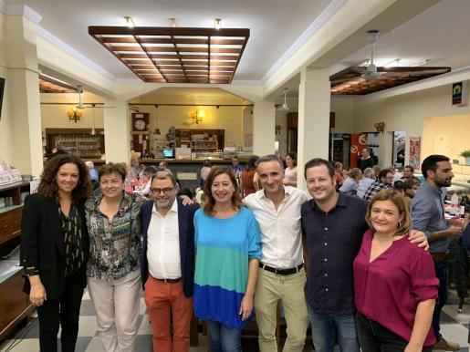 La presidenta Francina Armengol y los candidatos socialistas el 10N participaron en una cena en Marratxí.