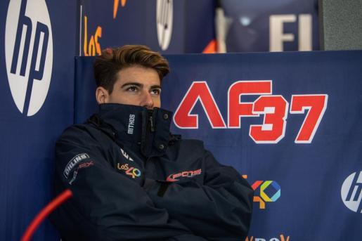 Augusto Fernández, en el box de su equipo durante la sesión del sábado.