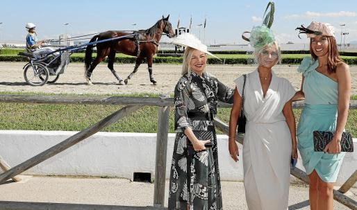 El hipódromo vibró con la primera edición de Hat & Horses con exhibiciones y carreras ecuestres.
