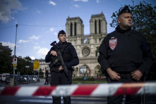 El titular de Interior francés alerta a los mandos ante la «posible intensificación de la propaganda yihadista».