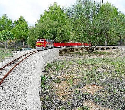 El Parc Ferroviari contará con un circuito a escala en el que no faltarán viaductos, túneles, pasos a nivel, plataformas giratorias, etc.