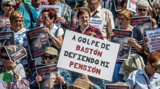 Concentracion de jubilados para reivindicar unas pensiones justas.