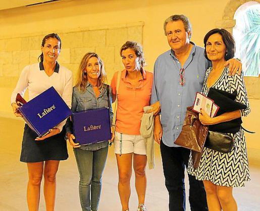 Cecília Santos, Miona Roig, Maria Antònia Roser, Ramón Servalls y Tonina Bestard.